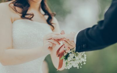 Getting Married? 5 Insurance Tips for Newlyweds and Engaged Couples
